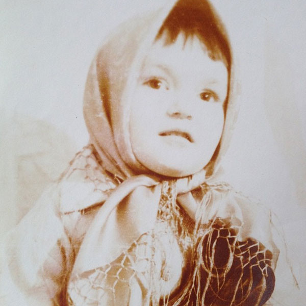 На детском фото Ларсиа Водонаева очень похожа на своего внука Богдана