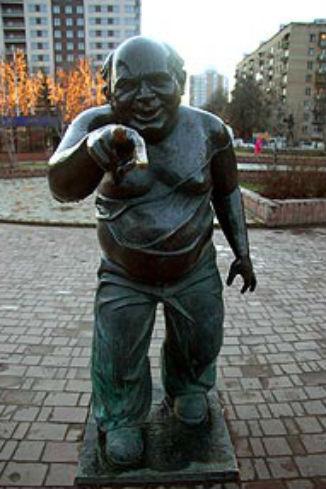 Памятник Евгению Леонову