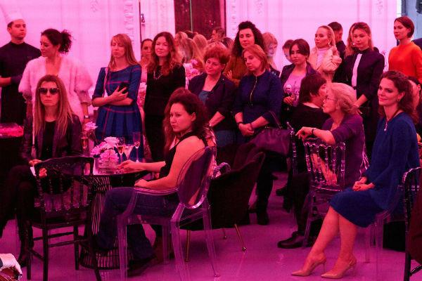 Елизавета Боярская во время беременности посетила презентацию ювелирных украшений