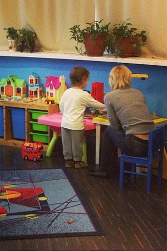 Мама отдала сына не в обычный детский сад, а частный