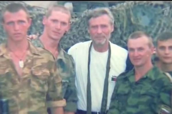 Александр Михайлов и солдаты, Чечня, середина 90-х