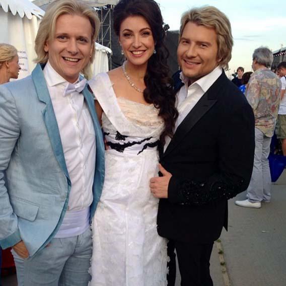 Два любимых мужчины Анастасии Макеевой (по признанию актрисы) – муж Глеб Матвейчук и певец Николай Басков.