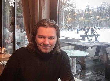 Дмитрий Маликов пытается омолодиться