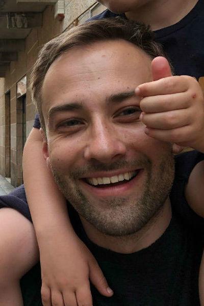 Дмитрий Шепелев принимает активное участие в воспитании сына