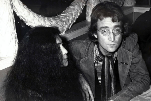 Джон Леннон с женой Йоко Оно