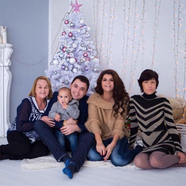 Алиана Гобозова продемонстрировала, что в их семье все хорошо