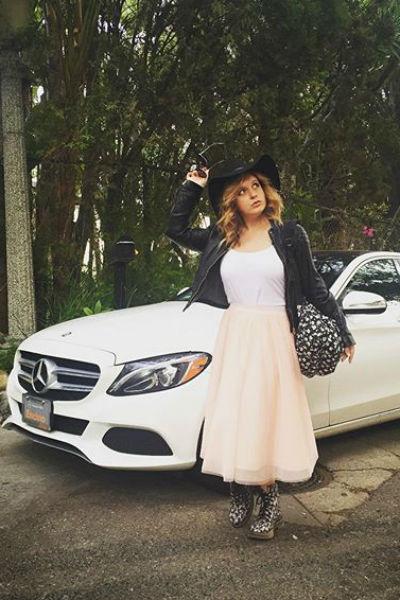 Денисова собирается выйти замуж в мае