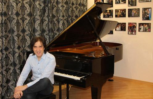Кай Метов долго ждал желанный рояль
