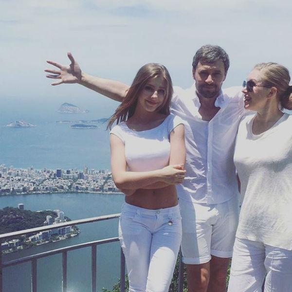 Лиза прекрасно проводит время в Бразилии в компании близких людей