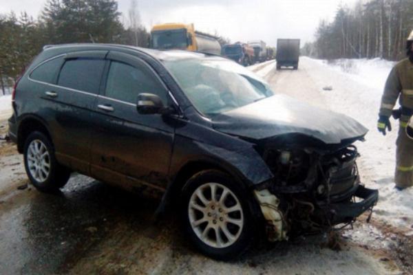 Одна из пострадавших в аварии машин