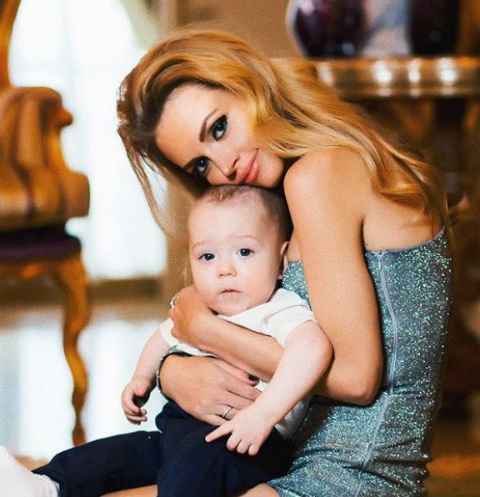 Милана с сыном Артемием