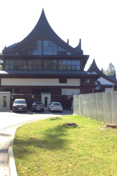 Дом Лепса и продюсерский центр находятся рядом
