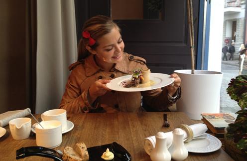 «От десерта я героически отказываюсь!» - поделилась Ирина Пегова