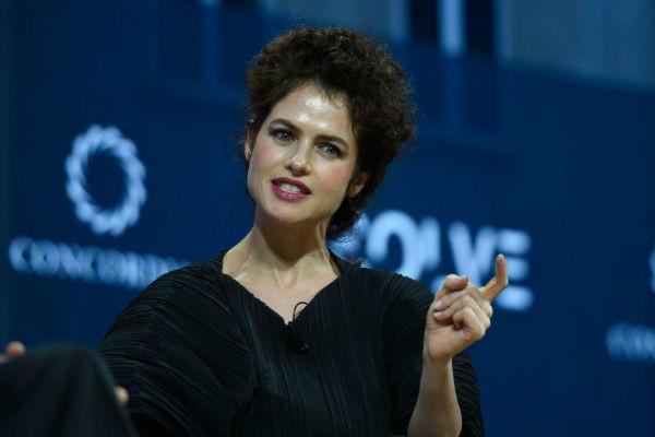 Нери Оксман вызывает у Анджелины Джоли зависть