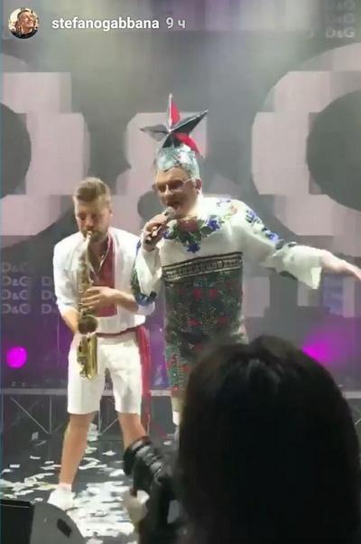 Верка Сердючка порадовала гостей Аминовых своими хитами