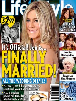 Обложка таблоида Life & Style с новостью о свадьбе