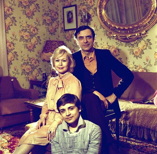 Александр Лазарев с семьей