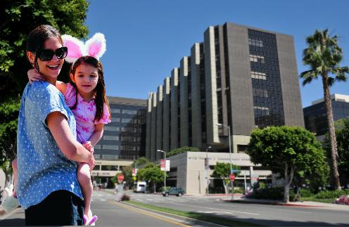 Актриса Кейти Холмс с дочерью Сури. Роддом Cedars-Sinai Medical Center в Лос-Анджелесе