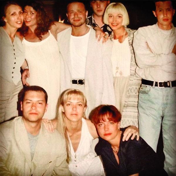 С супругой Светланой в кругу общих друзей-звезд, начало 90-х