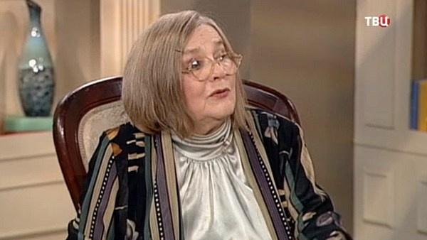 Супруг актрисы Владимир Агеев скончался в 1990 году
