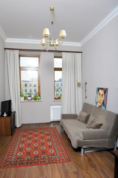 Напольным коврам в квартире Татьяны Ивановны больше 30 лет – они были куплены в кредит еще в Баку