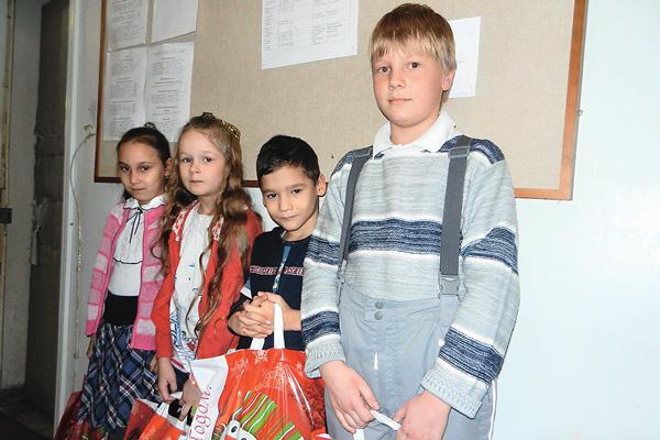 В «Звездах Сибири» дети часто получают заслуженные подарки