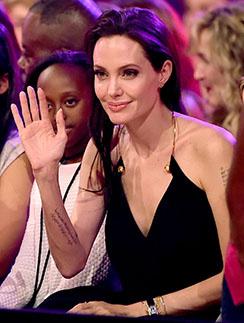 Анджелина Джоли на церемонии вручения премии Kid's Choice Awards