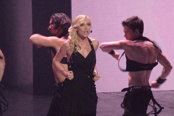 На сцене фестиваля Кристина Орбакайте со своим шоу
