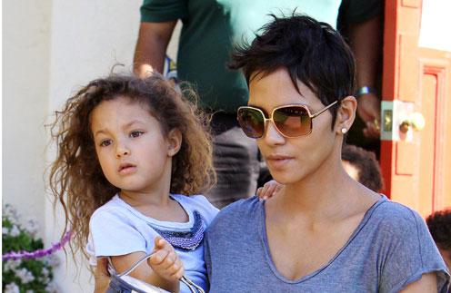 Холли Берри с дочкой Налой