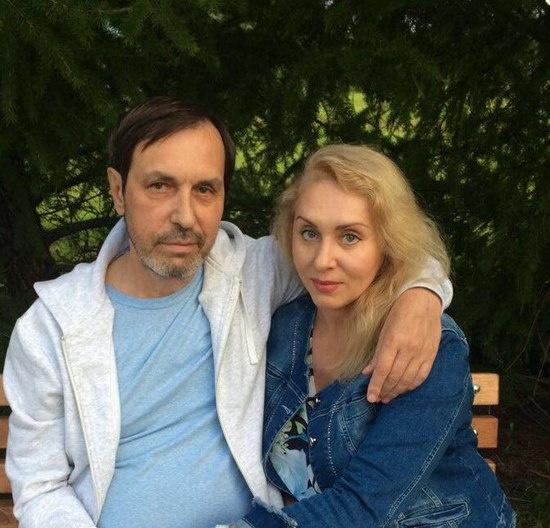 Николай Носков с женой Мариной, которая поддерживает его в непростой период