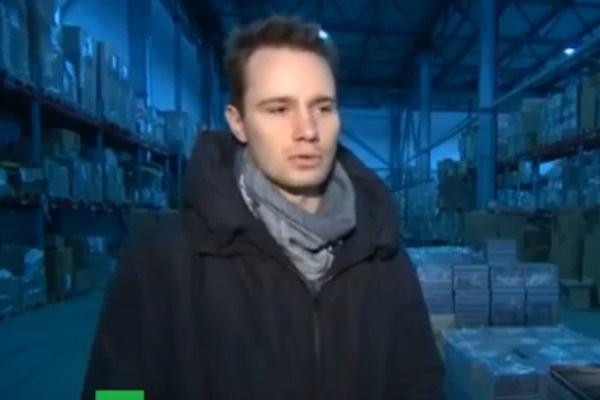 Издатель Дмитрий Озеранский расстроен, что большая часть экземпляров книги пылится на складе