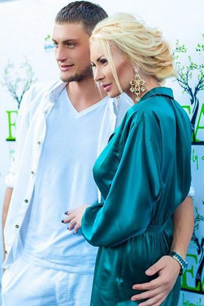 Александр Задойнов и Элина Камирен