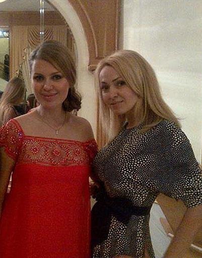 Яна Рудковская и Вика Боня