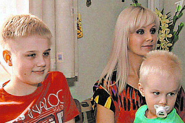 Певица с мужем воспитывают двоих сыновей