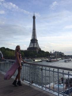 Надежда Сысоева в Париже