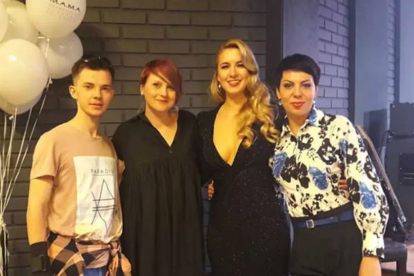 Юлия Бужилова с коллегами