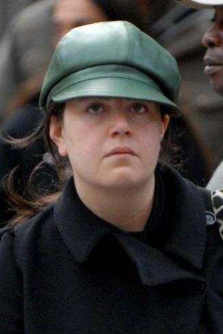 В 2006 году фотографы следили за тем, как Моника совершала шопинг в демократичном торговом центре