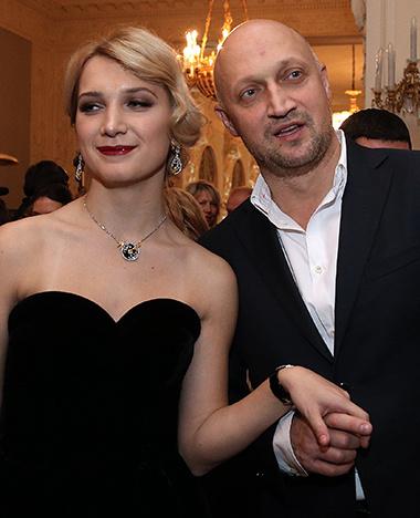 Гоша Куценко привел старшую дочь на бал