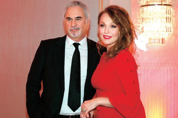 Весь шоу-бизнес до сих пор гадает, женаты ли Валерий и Альбина. Голубятник Дмитрий Кулаков рассказал «СтарХиту», что звезды узаконили отношения два года назад