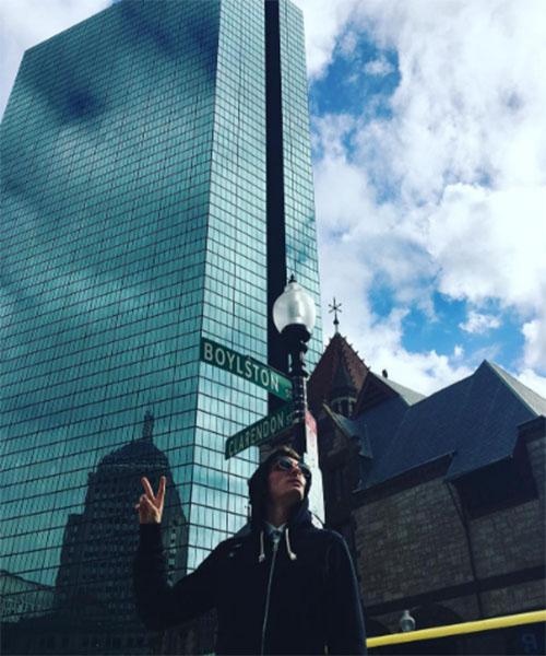 Павел Воля в эти дни находится на гастролях в Бостоне