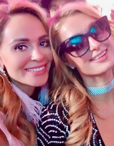 Анна Калашникова была рада знакомству со знаменитой блондинкой