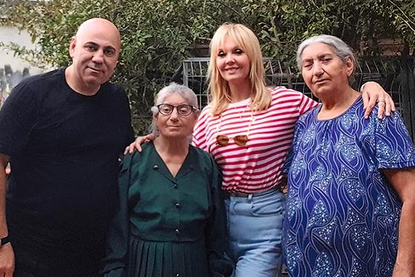 Иосиф и Валерия стараются как можно чаще навещать его маму (в центре) и тетю Галю (справа) в Израиле