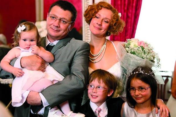 Евгения сыграла многодетную маму в картине «Идеальный брак»