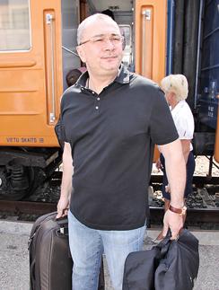 Константин Меладзе перебрался за город после развода