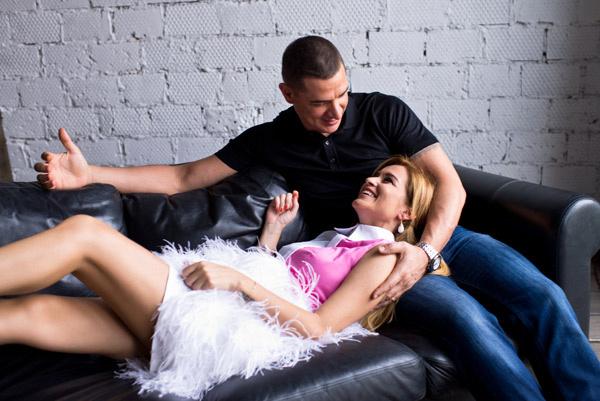 Пара не скрывала своей взаимной любви и нежности