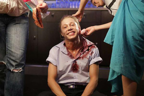 Ради искусства Бикбаеву пришлось вытерпеть сложный грим с искусственной кровью