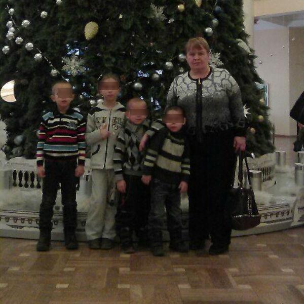 Людмила старается не обсуждать с дочерью убийство супруга