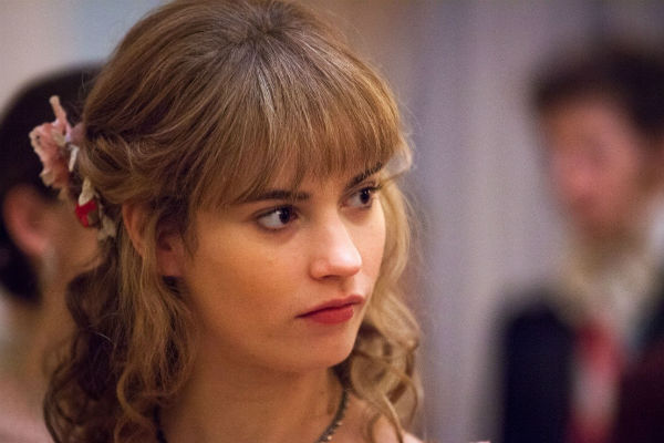 Блондинка Наташа Ростова в исполнении Лили Джеймс