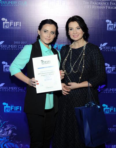 Юлия Дмитриева (АЮ Dreams) и член жюри актриса Екатерина Стриженова