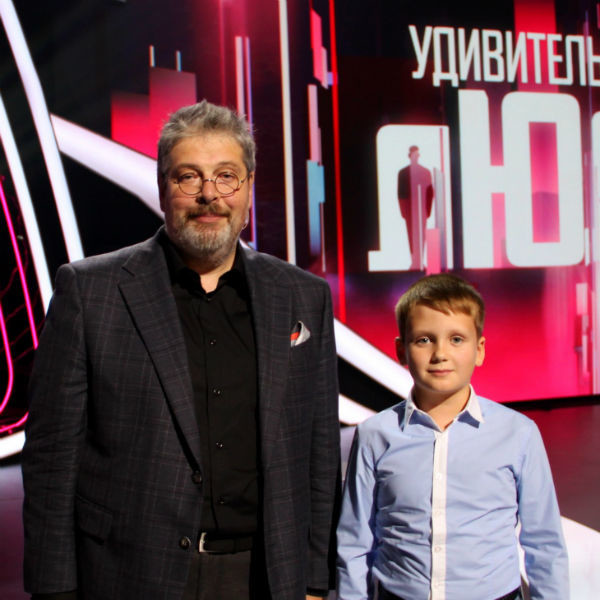 Ведущий проекта Александр Гуревич с географическим гением Мирославом Оскирко